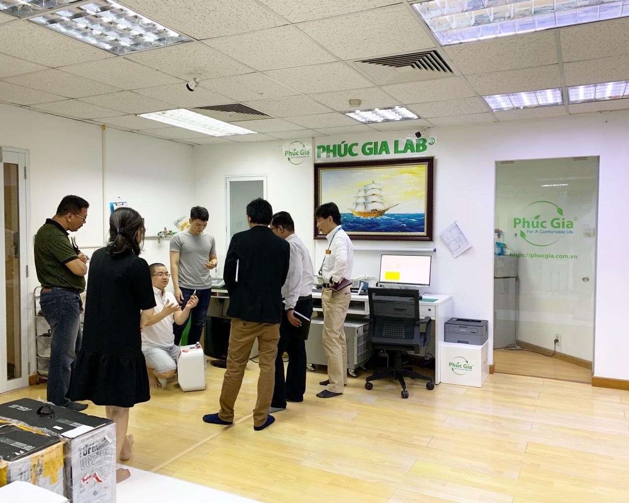 Phúc Gia Lab làm việc với Panasonic